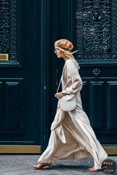 Leonie Hanne between the fashion shows. The post Paris SS 2019 Street Style: Leonie Hanne appeared first on STYLE DU MONDE Street Look, Street Chic, Street Style, Paris Street, Street Wear, Look Fashion, Fashion Photo, Womens Fashion, Fashion Trends