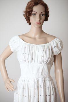 White Eyelet Cotton Dress Women's Small 1950s 1960s by DOLLYSHOPco