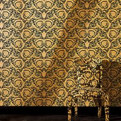 Versace 'Floral Damask' Designer Wallpaper Gold and Black Scroll design Gold Luxury Wallpaper, Versace Wallpaper, Designer Wallpaper, Casa Versace, Versace Home, Wallpaper Size, Black Wallpaper, Baroque, Wallpaper Companies