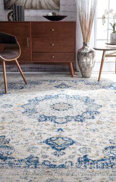 Qualität trifft Wert in diesem schönen traditionellen Bereich Teppich. Das traditionelle Muster in Blau/Grau passt perfekt in ein glamouröses Wohnzimmer.