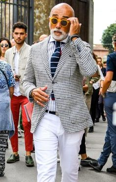 Fashion Style Rock Summer Trendy Ideas Source by fashion casual Italian Mens Fashion, Older Mens Fashion, Cheap Mens Fashion, Mature Fashion, Best Mens Fashion, Mens Fashion Suits, Fashion Vintage, Mode Masculine, Best Street Style