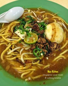 Cuisine Paradise | Singapore Food Blog | Recipes, Reviews And Travel: Our Favourite Singapore Local Food - Mee Rebus - This Malay style noodle dish is made using yellow noodle served in thick spicy sauce made from fermented soy beans.