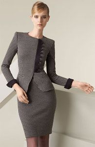 armani suits for women - looks chic Business Outfits, Business Attire, Office Outfits, Office Fashion, Work Fashion, Fashion Design, Armani Suits, Suits For Women, Clothes For Women