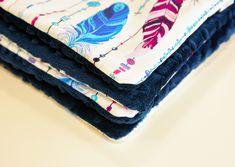 """Kolekcja """"Piórka"""" wykonana z najwyższej jakości bawełny premium oraz oryginalnego minky Shannon Fabrics."""