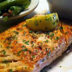 Best Quick grilled salmon recipe crispy skin & healthy options Salmon Dishes, Fish Dishes, Seafood Dishes, Seafood Recipes, Main Dishes, Grilling Recipes, Cooking Recipes, Healthy Recipes, Quick Recipes
