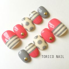 ボーダーとドットのネイル | ハンドメイド、手作り作品の通販 minne(ミンネ) Dot Nail Art, Nail Art Kit, Polka Dot Nails, Nail Art Inspiration, Aloha Nails, Feet Nails, Toenails, Peach Nails, Geometric Nail