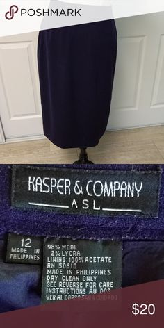 Beautiful Kasper navy wool pencil skirt Beautiful Kasper Navy wool pencil skirt Kasper Skirts Midi