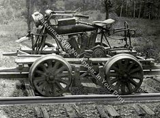 Indian Motorcycles, Cool Motorcycles, Vintage Motorcycles, Triumph Motorcycles, Old Photos, Vintage Photos, Rail Car, Old Trains, Vintage Trains