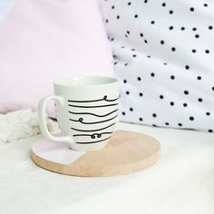 Our Jumbo-mug in a black-white stripe design has more than enough space for your favorite drink. Be it coffee, cappuccino, tea or hot chocolate. Let's stay home, porcelain, mug, breakfast, cutting board, pillow, dotted, Home decor, interior, cozy