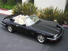 Pice of junk as far as reliable but. Jaguar Xj40, Jaguar Cars, My Dream Car, Dream Cars, Jaguar Xjs Convertible, Car Pictures, Car Pics, Jaguar Daimler, British Sports Cars
