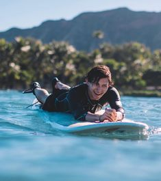 Find images and videos about surfing, spiderman and holland on We Heart It - the app to get lost in what you love. Parker Spiderman, Spiderman Marvel, Tom Holand, Baby Toms, Tom Holland Peter Parker, Tom Parker, Tommy Boy, The Avengers, Marvel Actors