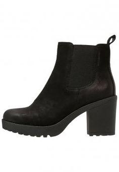 Die 19 besten Bilder von Klamotten   Ankle boots, Casual outfits und ... dc64325678