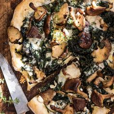 roasted mushroom kale pizza - December 08 2018 at - Amazing Ideas - and Inspiration - Yummy Recipes - Paradise - - Vegan Vegetarian And Delicious Nutritious Meals - Weighloss Motivation - Healthy Lifestyle Choices Roasted Mushrooms, Stuffed Mushrooms, Balsamic Mushrooms, Vegetarian Recipes, Cooking Recipes, Healthy Recipes, Healthy Pizza, Vegan Pizza, Cooking Kale