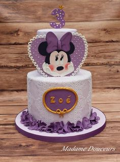 Minnie Mouse Cake - Cake by Madame Douceurs