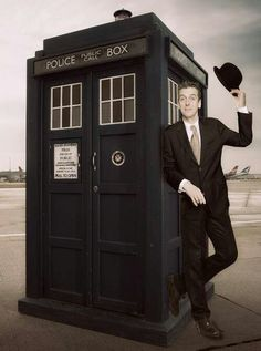 Aaah, my first time seeing Capaldi as the Doctor last night. I have a feeling that I'm gonna like this guy.