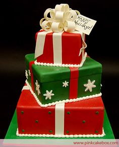 3 Tier Christmas Gift Box Cake by Pink Cake Box in Denville, NJ. Christmas Present Cake, Christmas Wedding Cakes, Christmas Cake Decorations, Christmas Gift Box, Christmas Sweets, Holiday Cakes, Christmas Baking, Christmas Presents, Green Christmas
