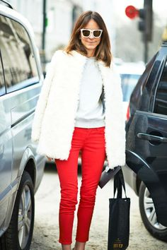 Sometimes, bold color choices feel just as noticeable as busy prints #streetstyle
