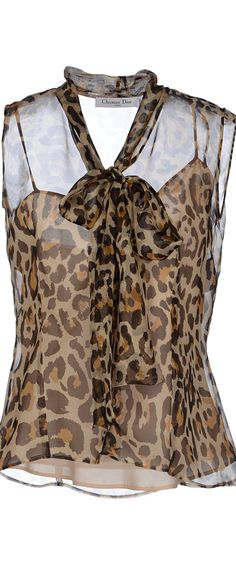 Blouse à imprimé animalier meilleures tenues Take a look at the best Animal print blouse in the photos below and get ideas for your outfits! Animal Print Outfits, Animal Print Fashion, Fashion Prints, Love Fashion, Womens Fashion, Animal Prints, Leopard Print Dresses, Leopard Fashion, Cheetah Print