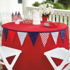A good way to decorate a simple tablecloth and a banner for any occasion or holiday can be used.