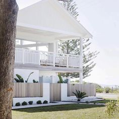 How majestic is this? This beach house embodies modern coastal luxe and we're so excited to be giving away a 3 night stay at… How majestic is this? This beach house embodies modern coastal luxe and we're so excited to be giving away a 3 night stay at… Modern Coastal, Coastal Style, Coastal Decor, Coastal Living, Contemporary Cottage, Home Beach, Beach House Decor, Home Decor, Beach House Furniture