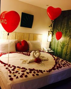 Romantic Valentine Bedroom Decor Ideas You Should Try - You're probably tired of reading articles on how to decorate your dining room for Valentines, how to decorate your table for the perfect Valentine din. Romantic Room Surprise, Romantic Night, Romantic Dates, Romantic Dinners, Romantic Ideas, Romantic Getaway, Romantic Room Decoration, Romantic Bedroom Decor, Bedroom Ideas