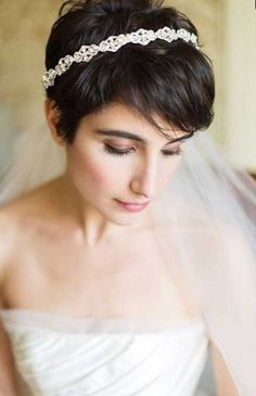 20 Short Pixie Wedding Hairstyles - Short Pixie Cuts 20 Short Pixie Wedding Hairstyles, Don't let the length fool you, short haircuts like pixie cut can also be wedding hairstyle. The short pixie cut has just as much versatility as your. Bride Hairstyles With Veil, Wedding Hairstyles With Veil, Elegant Hairstyles, Bridal Hairstyles, Hairstyles 2018, Short Hair Updo, Short Hair Cuts, Short Hair Styles, Pixie Cuts