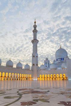 Abu Dhabi, Sheikh Zayed Bin Sultan Al Nahyan Mosque in Abu Dhabhi, UAE