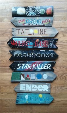 Made by devcodesigns. - Star Wars Paint - Ideas of Star Wars Paint - Star Wars direction sign. Made by devcodesigns. Star Wars Bedroom, Star Wars Nursery, Star Wars Room Decor, Star Wars Quotes, Star Wars Humor, Decoration Star Wars, Star Decorations, Regalos Star Wars, Star Wars Classroom