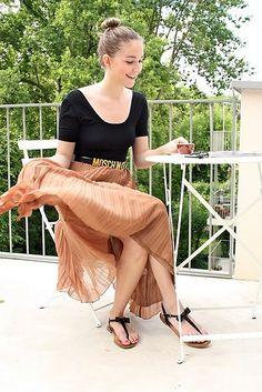moschino belt Moschino Belt, Closets, Dress Skirt, Style Me, Diva, Fashion Dresses, Happiness, Style Inspiration, Money