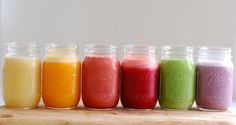 Smoothies are a great way to get more fruit and veg in your diet, and can help you loose weight. Check out our healthy smoothie recipes and get inspired! Smoothie Detox, Juice Smoothie, Smoothie Drinks, Healthy Smoothies, Healthy Drinks, Smoothie Recipes, Healthy Snacks, Healthy Recipes, Smoothies Coffee