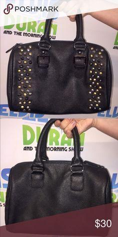 Black Aldo purse Gorgeous black bag, barely used Aldo Bags Totes