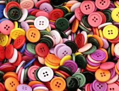 Tipos de aviamentos: zíper, linhas de costura e botões