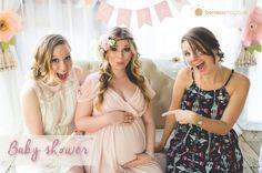 Découvrez ce qu'est la baby shower ? Quelles sont les traditions de la fête prénatale. Comment organiser une baby shower ?