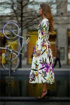 Bizuu White Fit and Flare Floral Maxi Dress