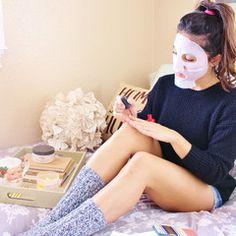 Arbutin Whitening Collagen Mask. Whitens and Brightens skin with active ingredient Arbutin.
