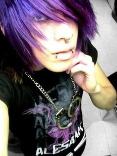 Bright colored long hair (purple), side swoop, eyeliner around eyes, piercings and black snake bites. Cute Emo Guys, Hot Emo Boys, Emo Love, Emo Girls, Piercing Tattoo, Piercings, Emo Scene Hair, Emo Hair, Flat Twist