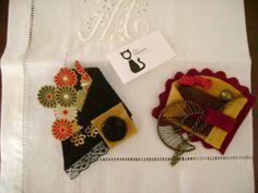 Alfinetes de feltro e tecido japonês com aplicações em vidro e metal!