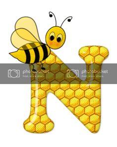 Alfabeto de abeja sobre letras de panal. - Oh my Alfabetos! Cute Bee, Blogger Templates, Tigger, Disney Characters, Fictional Characters, Alphabet, Bee Art, Letter N, Honeycomb