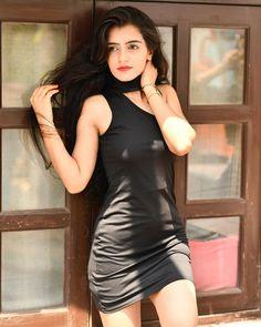 Stylish Photo Pose, Stylish Girls Photos, Stylish Girl Pic, Beautiful Girl Photo, Most Beautiful Models, Beautiful Girl Indian, Cute Girl Poses, Girl Photo Poses, Girl Photography Poses