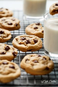 The best, Easy Soft Chewy Chocolate Chip Cookies with simple steps and ONE added ingredient for a soft and chewy experience in LESS THAN 15 minutes! Delicious Cookie Recipes, Easy Cookie Recipes, Cookie Desserts, Yummy Cookies, Baking Recipes, Dessert Recipes, Yummy Food, Candy Cookies, Bar Recipes