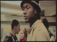 ▶ Aloe Blacc - You Make Me Smile [subway gig] - YouTube  >>> Absolutely fantastic. Brilliantly shot.
