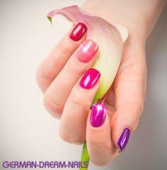 Zauberhafte Wet-Look Farbgele verleihen Euren Fingernägeln in nur einem Arbeitsschritt eine intensive Farbe und einen berauschenden Glanz. www.german-dream-nails.com #Jolifin #Naildesign #Nailart