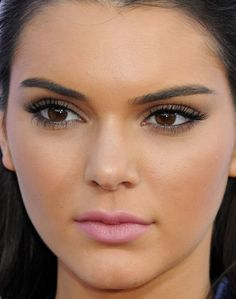 Close-up of Kendall Jenner at the 2015 Billboard Music Awards. http://beautyeditor.ca/2015/05/23/celebrity-beauty-looks-jamie-chung