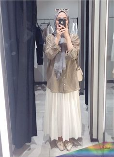 Long Skirt Fashion, Modest Fashion Hijab, Modern Hijab Fashion, Long Skirt Outfits, Street Hijab Fashion, Casual Hijab Outfit, Hijab Fashion Inspiration, Fashion Outfits, Ootd Hijab