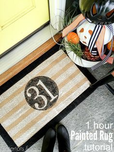 "Painted ""31"" Halloween Rug! You can do this project in an hour! So cute for Halloween!"