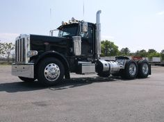 Tractor Trucks, heavy trucks, trailers, parts for trucks & trailers and heavy equipment for sale from truckers and dealers. Find all of your trucking equipment online with great ad detail, slideshow photo's and video. Peterbilt 389, Peterbilt Trucks, Used Trucks, Big Trucks, Diesel Cars, Diesel Vehicles, Heavy Equipment For Sale, Heavy Truck, Trucks For Sale