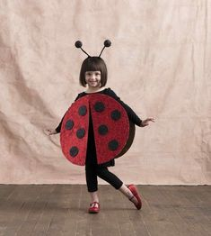 Sugar & Cloth: DIY Halloween Costumes for Kids and Babies. See all the costume ideas here! #costumes #kids #halloween #diy #boys #girls #siblings #creative #cute #toddlers Halloween Kostüm Baby, Unique Toddler Halloween Costumes, Disney Halloween Costumes, Last Minute Halloween Costumes, Diy Costumes, Pirate Costumes, Costume Ideas, Halloween Makeup, Halloween Recipe