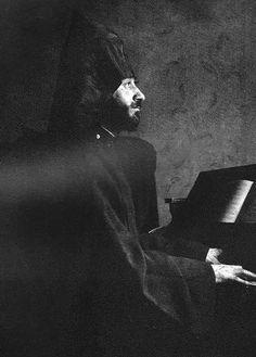Sept 26,1869 – Komitas Vardapet, Armenian composer (d. 1935) | Alan Hovhaness/Komitas Vartabed – piano music