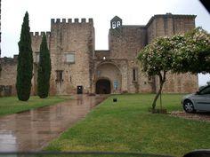 Mosteiro de Flor da Rosa. A imponencia da pedra.