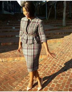 Classy Work Outfits, Classy Dress, Chic Outfits, African Wear Dresses, Latest African Fashion Dresses, Checkered Outfit, Corporate Outfits, Work Dresses For Women, Work Fashion